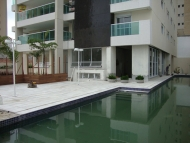 Vista para o deck da piscina