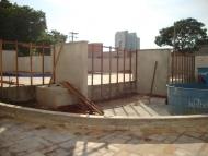 Início da instalação dos painéis de madeira