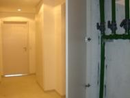 Esquadrias de madeira de fechamento dos shafts de instalações